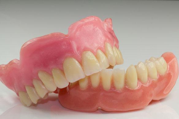 Totalprothese Zahnersatz Sagadent